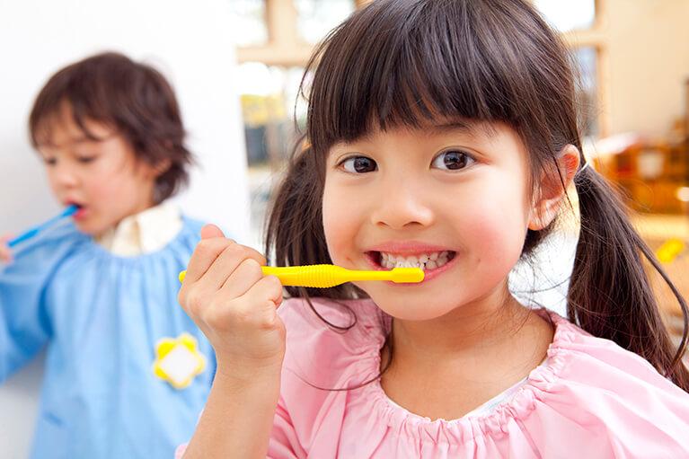 乳歯が生えたら予防を意識し始めましょう